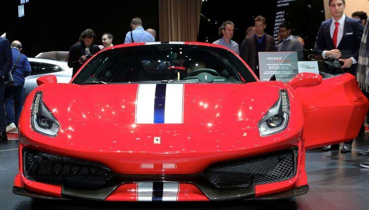 Ferrari 488 Pista, il V8 più potente di sempre - Foto 4 di 15