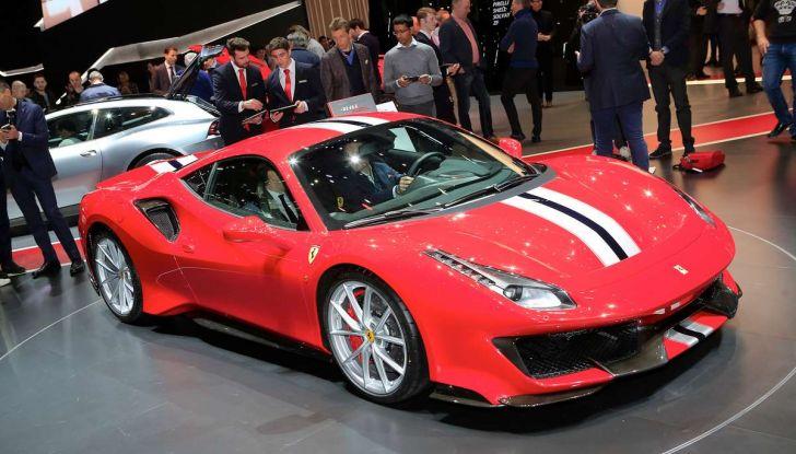 Ferrari 488 Pista, il V8 più potente di sempre - Foto 14 di 15