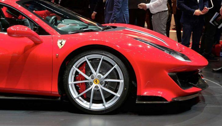 Ferrari 488 Pista, il V8 più potente di sempre - Foto 3 di 15