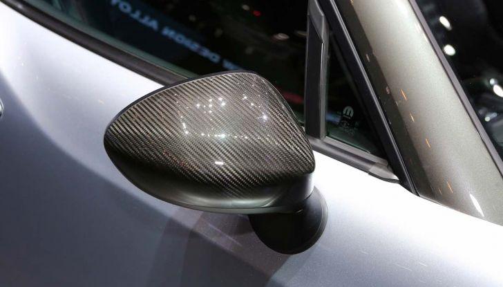 Abarth 124 GT, serie speciale con hard top in carbonio - Foto 10 di 11