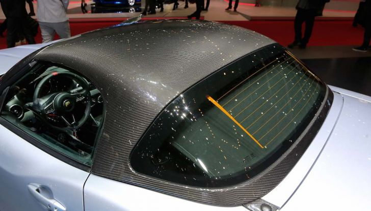 Abarth 124 GT, serie speciale con hard top in carbonio - Foto 5 di 11