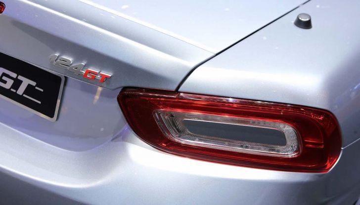 Abarth 124 GT, serie speciale con hard top in carbonio - Foto 8 di 11