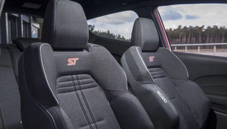 Ford Fiesta ST 2018, la sportiva da 200CV diventa 3 cilindri - Foto 3 di 10