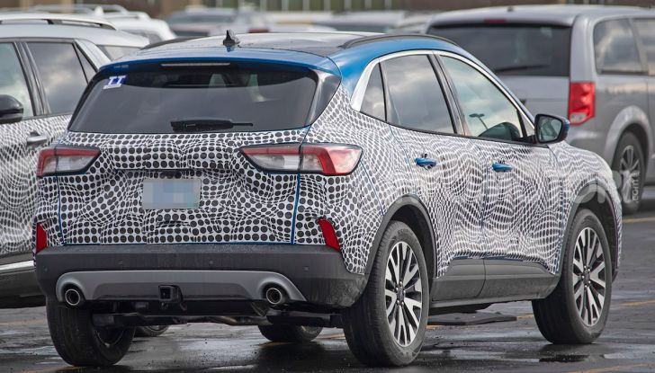 Ford Kuga 2020, prime prove su strada per il Crossover dell'Ovale Blu - Foto 35 di 36