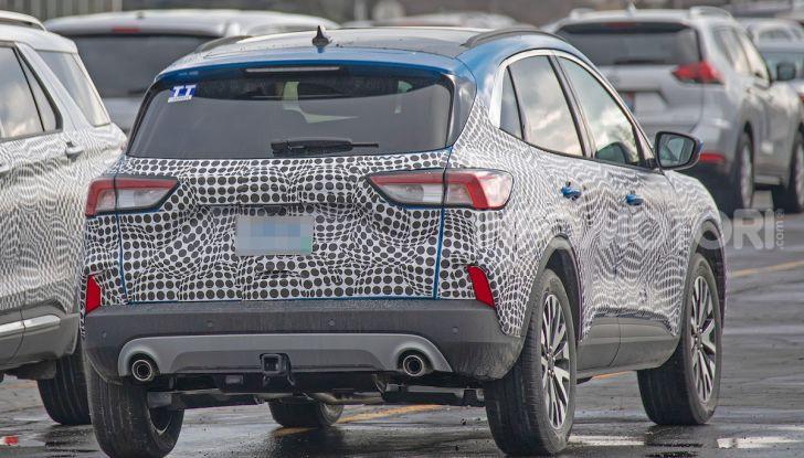 Ford Kuga 2020, prime prove su strada per il Crossover dell'Ovale Blu - Foto 36 di 36