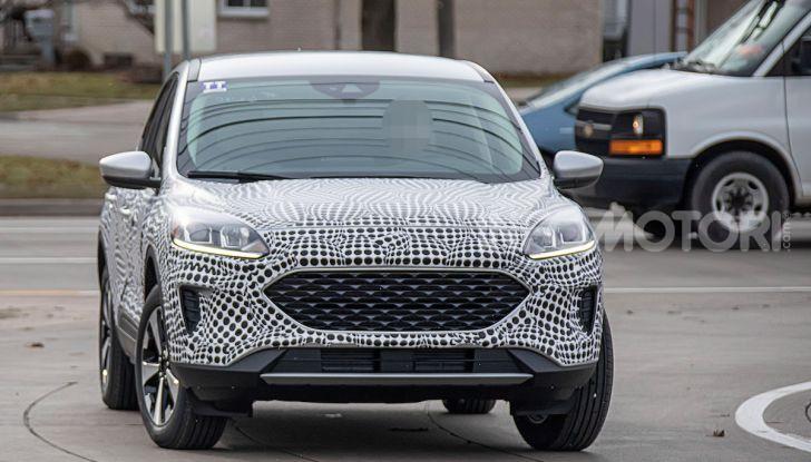 Ford Kuga 2020, prime prove su strada per il Crossover dell'Ovale Blu - Foto 5 di 36