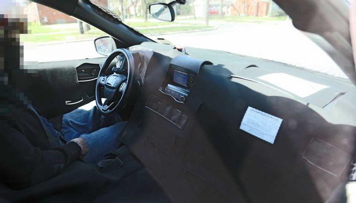 Ford Kuga 2020, prime prove su strada per il Crossover dell'Ovale Blu - Foto 7 di 23