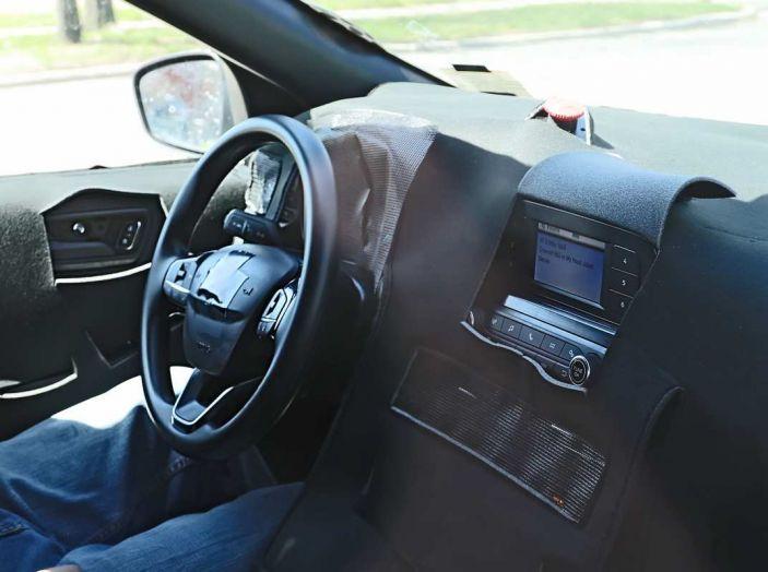 Ford Kuga 2020, prime prove su strada per il Crossover dell'Ovale Blu - Foto 2 di 23
