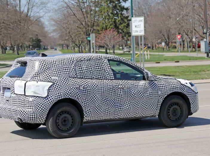 Ford Kuga 2020, prime prove su strada per il Crossover dell'Ovale Blu - Foto 3 di 23