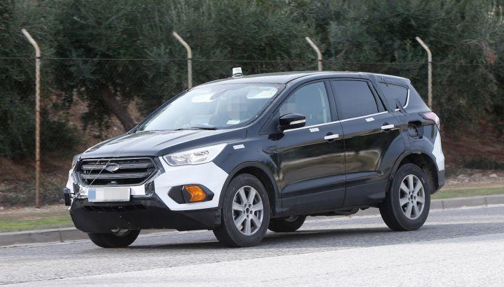 Ford Kuga 2020, prime prove su strada per il Crossover dell'Ovale Blu - Foto 8 di 23