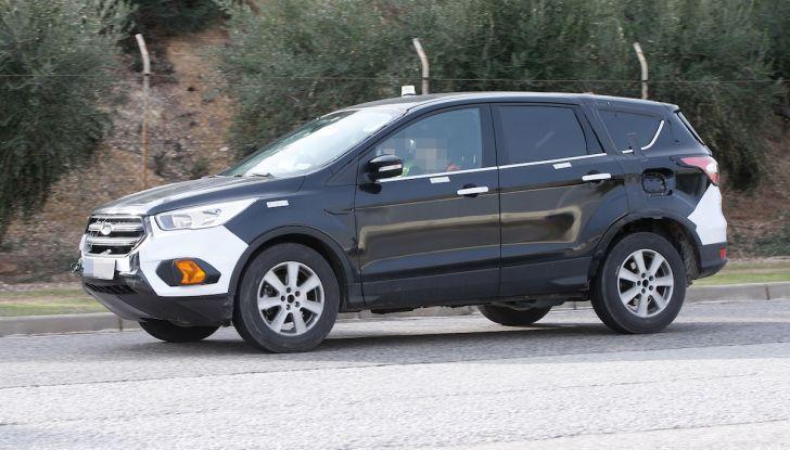 Ford Kuga 2020, prime prove su strada per il Crossover dell'Ovale Blu - Foto 15 di 36