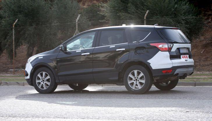 Ford Kuga 2020, prime prove su strada per il Crossover dell'Ovale Blu - Foto 18 di 36