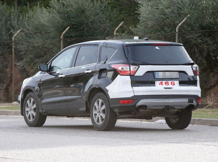 Ford Kuga 2020, prime prove su strada per il Crossover dell'Ovale Blu - Foto 15 di 23