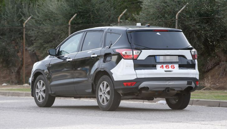 Ford Kuga 2020, prime prove su strada per il Crossover dell'Ovale Blu - Foto 20 di 36