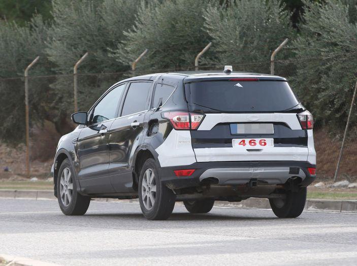 Ford Kuga 2020, prime prove su strada per il Crossover dell'Ovale Blu - Foto 17 di 23