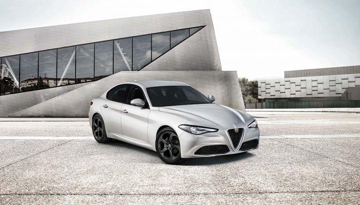 Alfa Romeo Giulia e Stelvio Sport-Tech, nuovo allestimento sportivo - Foto 1 di 12