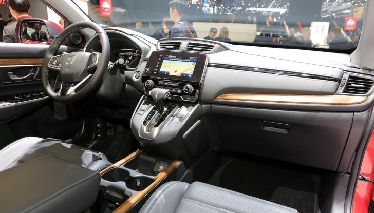 Nuova Honda CR-V 2018, l'iconico SUV di Tokyo da ora ibrido - Foto 9 di 9