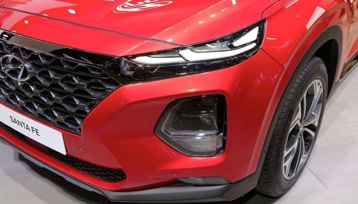 Hyundai Santa Fe 2018, dimensioni e motori del SUV coreano - Foto 11 di 14