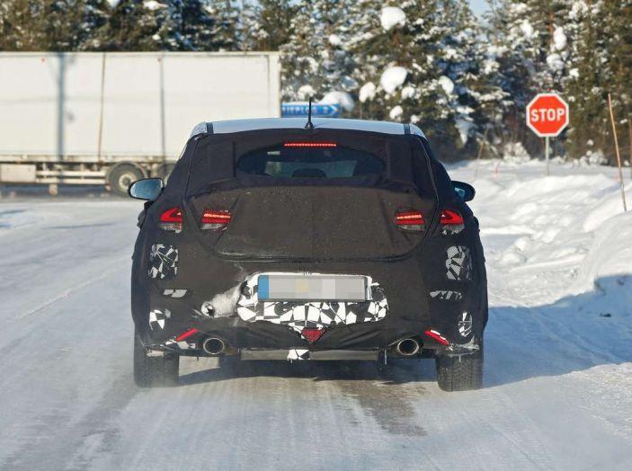 Hyundai i30 N Fastback, primi test su strada della variante sportiva - Foto 6 di 10
