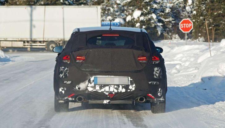 Hyundai i30 N Fastback, primi test su strada della variante sportiva - Foto 12 di 26