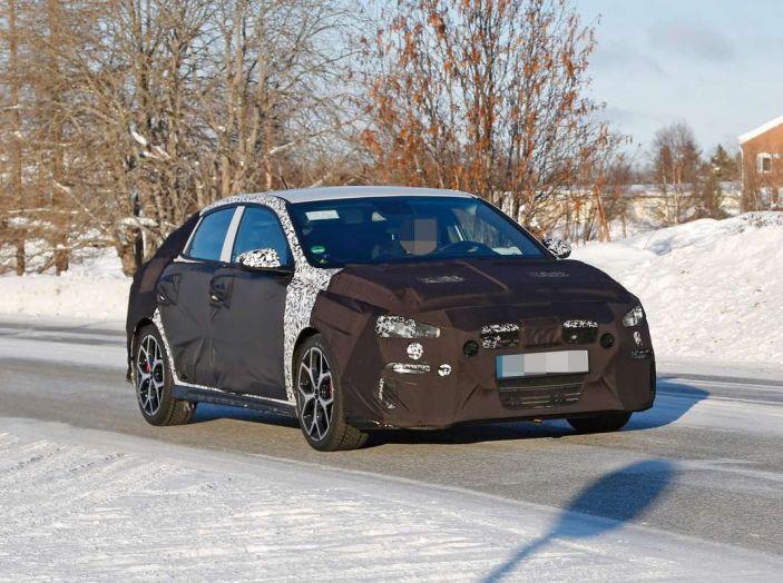 Hyundai i30 N Fastback, primi test su strada della variante sportiva - Foto 4 di 10