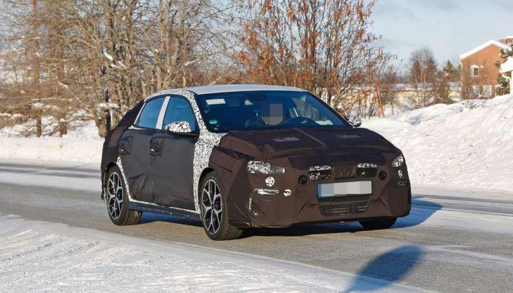Hyundai i30 N Fastback, primi test su strada della variante sportiva - Foto 8 di 26