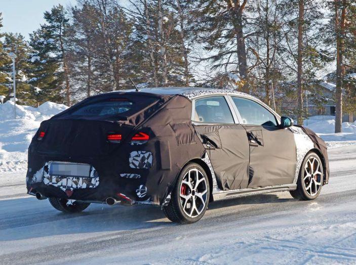 Hyundai i30 N Fastback, primi test su strada della variante sportiva - Foto 3 di 10