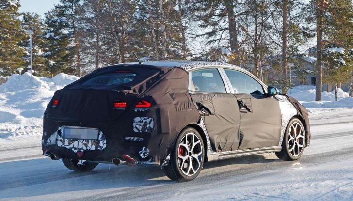 Hyundai i30 N Fastback, primi test su strada della variante sportiva - Foto 7 di 26