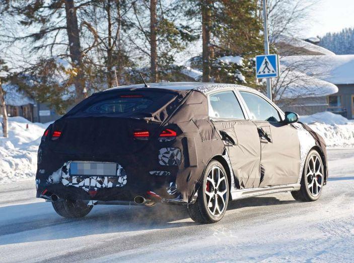 Hyundai i30 N Fastback, primi test su strada della variante sportiva - Foto 9 di 10