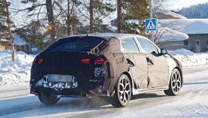 Hyundai i30 N Fastback, primi test su strada della variante sportiva - Foto 16 di 26