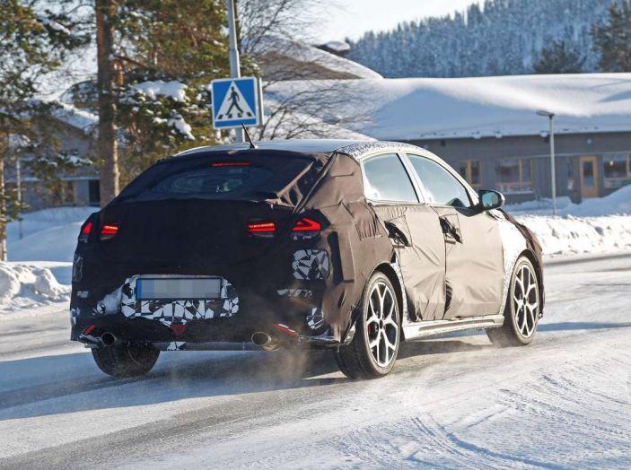 Hyundai i30 N Fastback, primi test su strada della variante sportiva - Foto 17 di 26