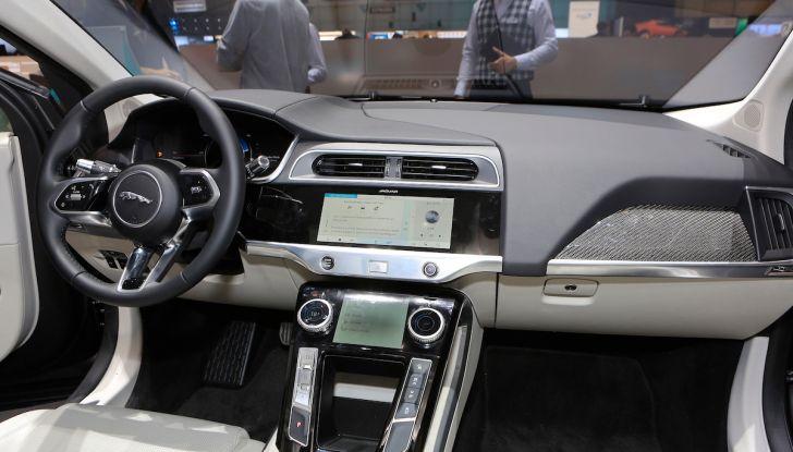 Jaguar I-PACE, prezzo e caratteristiche del crossover elettrico - Foto 20 di 25