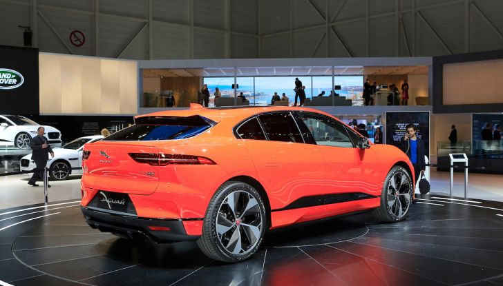 Jaguar I-PACE, prezzo e caratteristiche del crossover elettrico - Foto 12 di 25