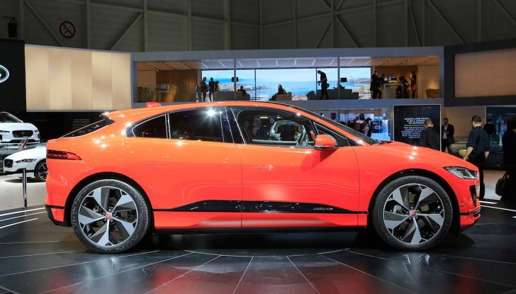 Jaguar I-PACE, prezzo e caratteristiche del crossover elettrico - Foto 9 di 25