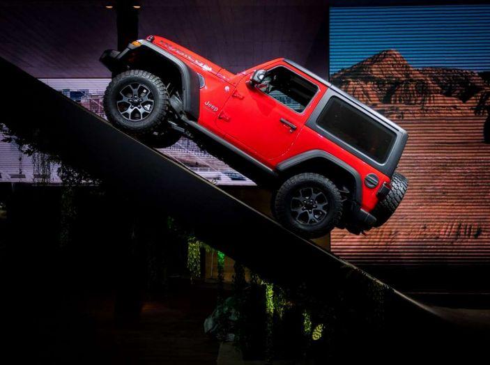 Nuovo Jeep Wrangler 2018, l'icona offroad cambia pelle - Foto 12 di 12