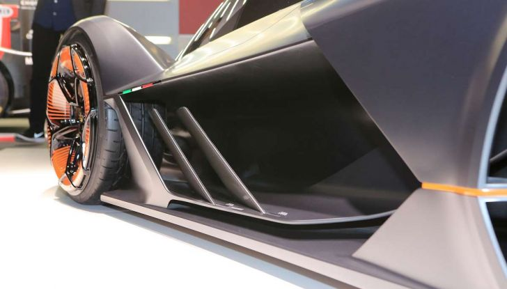 Lamborghini Terzo Millennio con carrozzeria auto-riparante - Foto 14 di 16