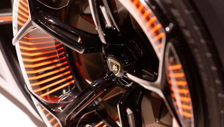 Lamborghini Terzo Millennio con carrozzeria auto-riparante - Foto 6 di 16