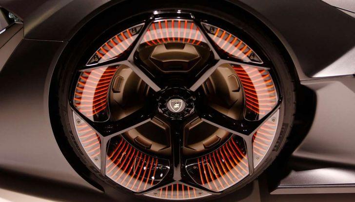 Lamborghini Terzo Millennio con carrozzeria auto-riparante - Foto 15 di 16