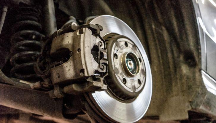 I freni dell'auto: manutenzione, precauzioni e consigli - Foto 3 di 17