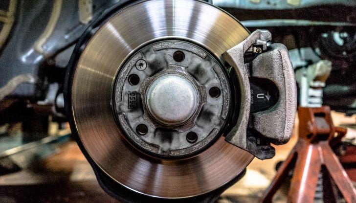 I freni dell'auto: manutenzione, precauzioni e consigli - Foto 1 di 17