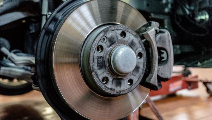 I freni dell'auto: manutenzione, precauzioni e consigli - Foto 5 di 17