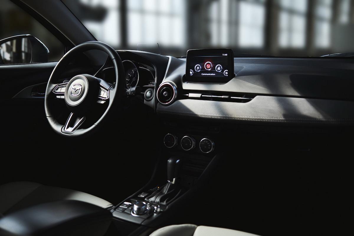 Mazda CX-3 2018, gli interni