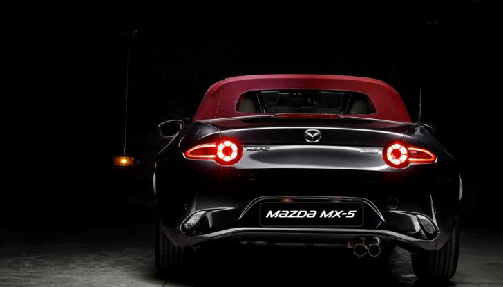 Mazda MX-5 Cherry Edition, versione esclusiva da 71 esemplari - Foto 2 di 6