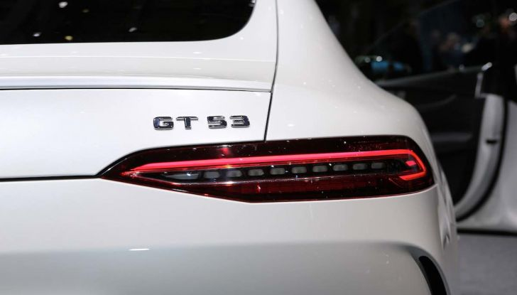 Mercedes AMG GT Coupé4, quattro porte per la sportiva della Stella - Foto 9 di 21