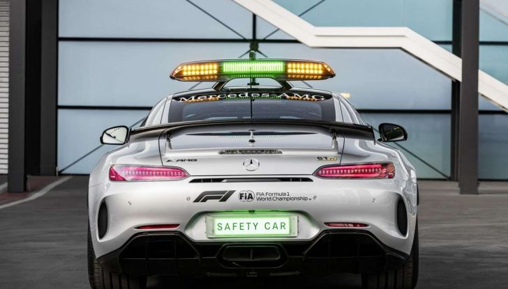 Mercedes AMG GT R è la Safety Car del mondiale Formula 1 - Foto 2 di 10