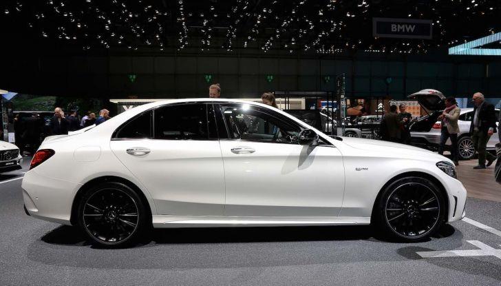 Mercedes Classe C Restyling 2018: nuovo corso per la regina della Stella - Foto 22 di 42