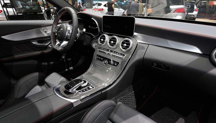 Mercedes Classe C Restyling 2018: nuovo corso per la regina della Stella - Foto 25 di 42