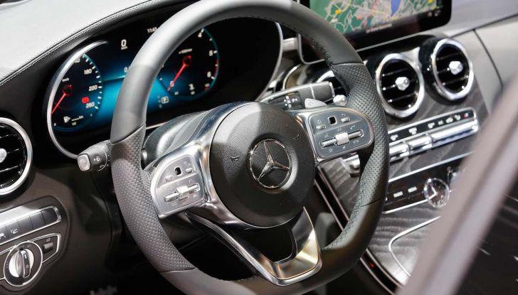 Mercedes Classe C Restyling 2018: nuovo corso per la regina della Stella - Foto 36 di 42