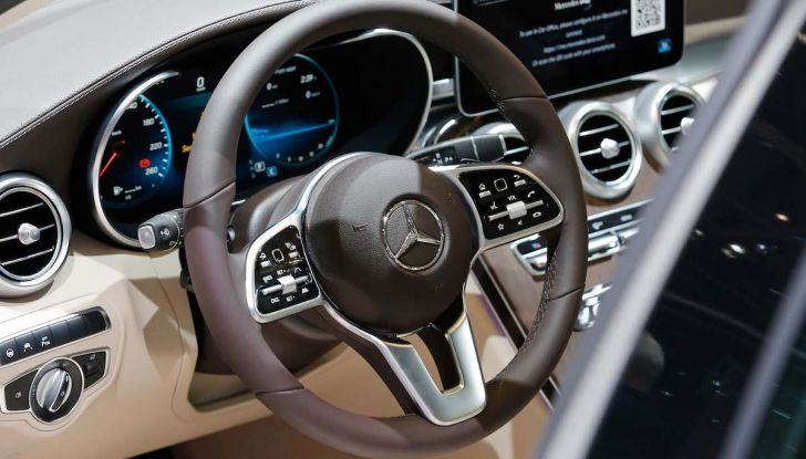 Mercedes Classe C Restyling 2018: nuovo corso per la regina della Stella - Foto 41 di 42