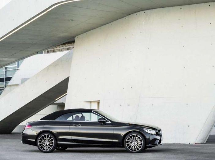 Mercedes Classe C Coupé e Cabrio 2018: più sportive ed efficienti - Foto 12 di 19